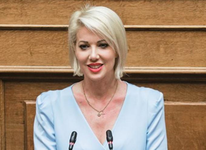 """Κατερίνα Μονογυιού: """"Επιτυχημένη επίσκεψη του Υπουργού Ναυτιλίας και Νησιωτικής Πολιτικής στην Πάρο και στην Αντίπαρο"""""""