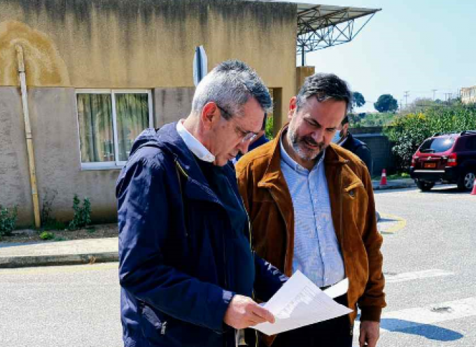 Νέο φορτίο ειδών ατομικής προστασίας και υγιεινής σε Νοσοκομείο και ΕΚΑΒ Ρόδου παρέδωσε η Περιφέρεια Νοτίου Αιγαίου