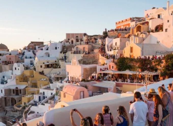 Bild: «Υπάρχει ελπίδα για τις διακοπές μας και λέγεται Ελλάδα»