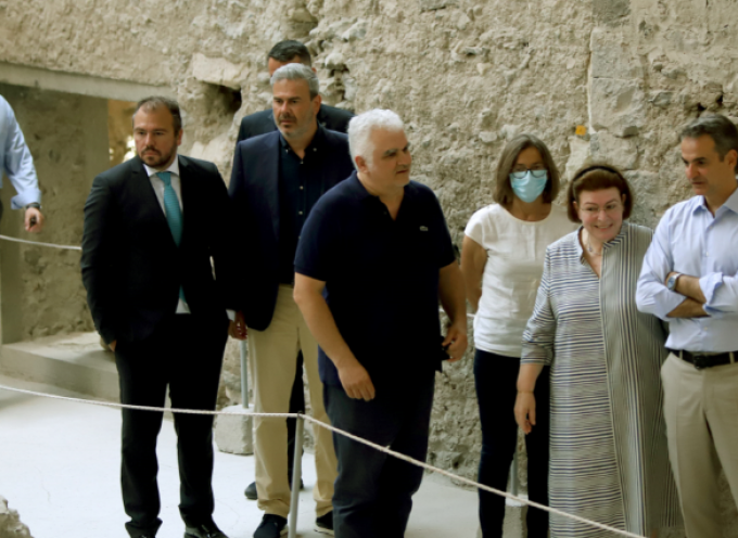 Στη Σαντορίνη με τον Πρωθυπουργό Κυριάκο Μητσοτάκη ο Βουλευτής Κυκλάδων Φίλιππος Φόρτωμας