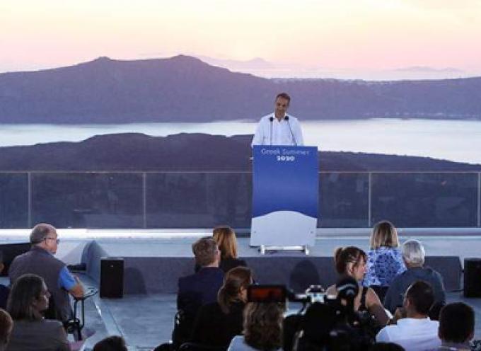 Εκτενή δημοσιεύματα στον διεθνή Τύπο για το restart του τουρισμού από τη Σαντορίνη