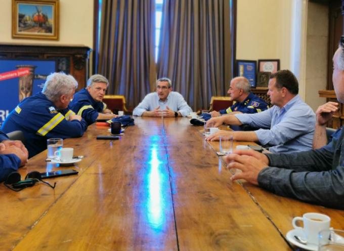 Σύσκεψη του Περιφερειάρχη με την ηγεσία του Πυροσβεστικού Σώματος της Περιφέρειας Νοτίου Αιγαίου