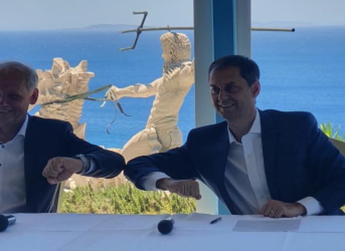 Στρατηγική συνεργασία TUI με υπουργείο Τουρισμού, με στόχο το 50% των περυσινών αφίξεων- Οι δηλώσεις