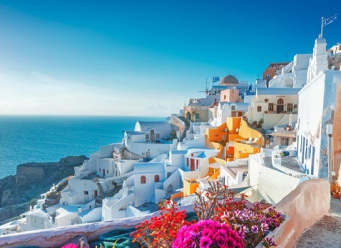 Insider: Τρία μέρη στην Ελλάδα με την πιο εντυπωσιακή θέα στον πλανήτη. Η Οία ανάμεσά τους
