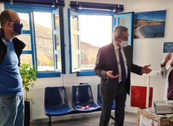 Παράδοση διαγνωστικών τεστ αντιγόνου από τον Περιφερειάρχη Νοτίου Αιγαίου σήμερα στην Αστυπάλαια