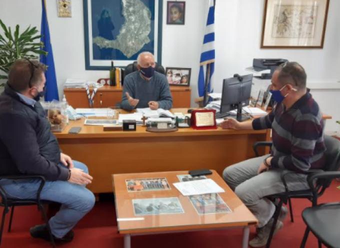 X. Δαρζέντας: Συνάντηση με τον πρόεδρο της ΔΕΥΑΘ κ. Ορφανό πραγματοποιήθηκε στο Επαρχείο παρουσία και του μηχανικού κ. Ρούσσου