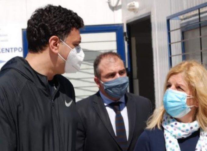 Στη Νάξο με τον Υπουργό Υγείας ο Φίλιππος Φόρτωμας