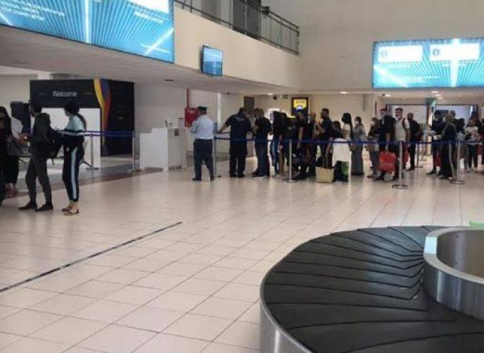 Με περισσότερες από 33.000 αφίξεις το πρώτο δεκαήμερο, ξένοι τουρίστες εγκαινίασαν τα Διεθνή Αεροδρόμια του Ν. Αιγαίου