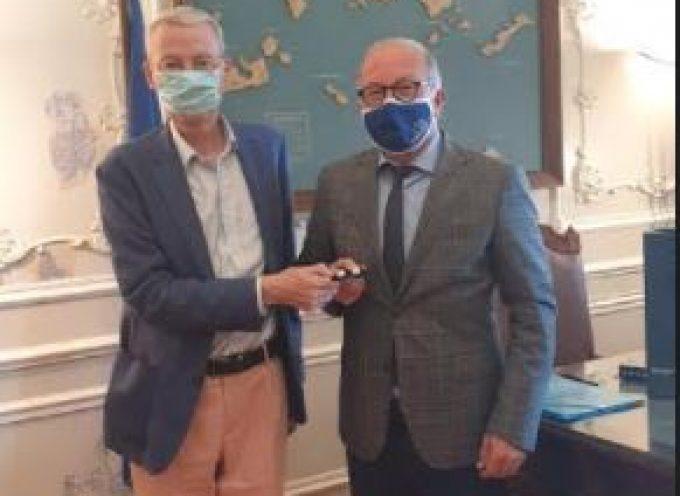 Συνάντηση του Αντιπεριφερειάρχη Κυκλάδων με τον Πρέσβη της Ρουμανίας