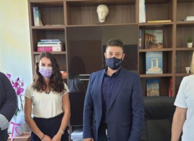 Συνάντηση της Νομαρχιακής ΟΝΝΕΔ Κυκλάδων με τον Διοικητή του Νοσοκομείου Σύρου και την αναπληρώτρια Διοικήτρια του Γ.Ν – Κ.Υ Νάξου