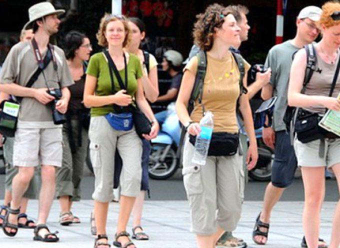 Γερμανία: Εκτός της λίστας υψηλού κινδύνου η Ελλάδα | Βγαίνουν Κρήτη, Ρόδος, Κως, Μύκονος και Νάξος
