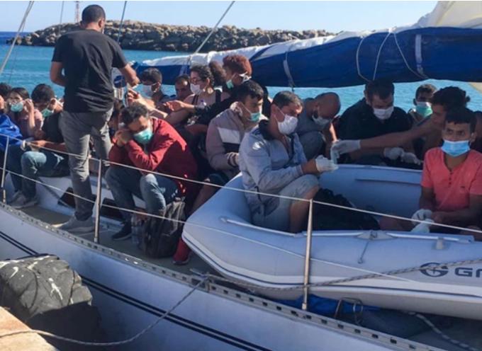 Μήλος: 124 μετανάστες εντόπισε το Λιμενικό – Φιλοξενούνται στον ναυτικό όμιλο